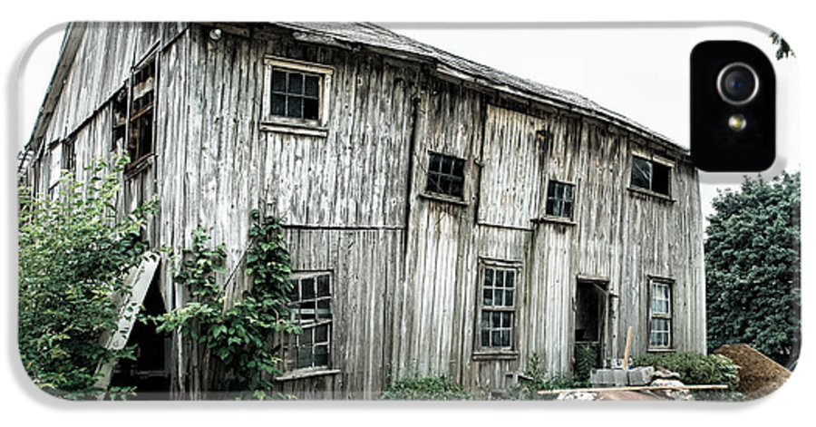 Barns IPhone 5 Case featuring the photograph Big Old Barn - Rustic - Agricultural Buildings by Gary Heller