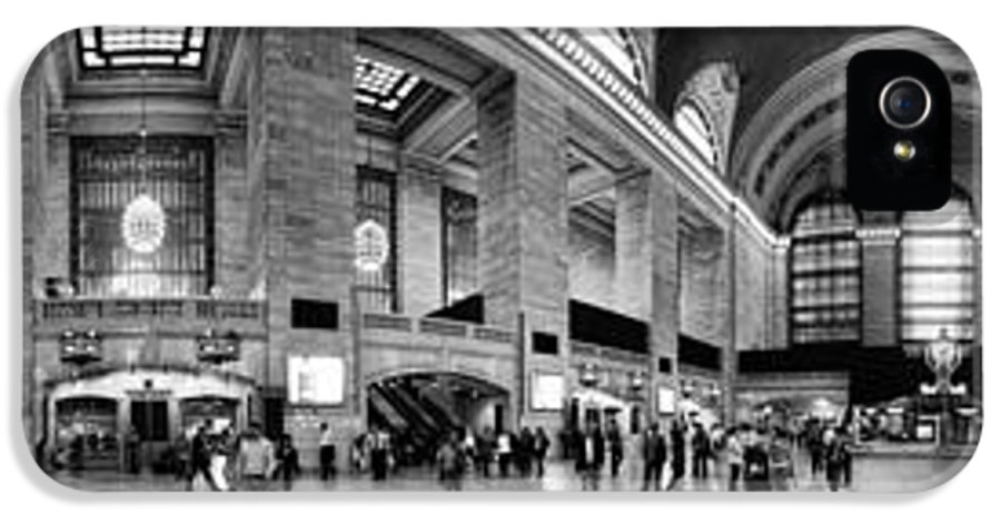 Panoramic IPhone 5 Case featuring the photograph Black And White Pano Of Grand Central Station - Nyc by David Smith