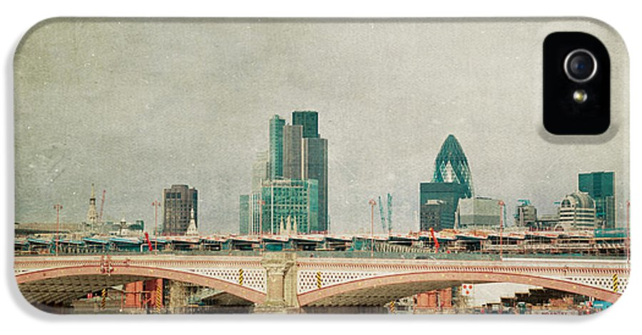 London Photo IPhone 5 Case featuring the photograph Blackfriars Bridge by Violet Gray