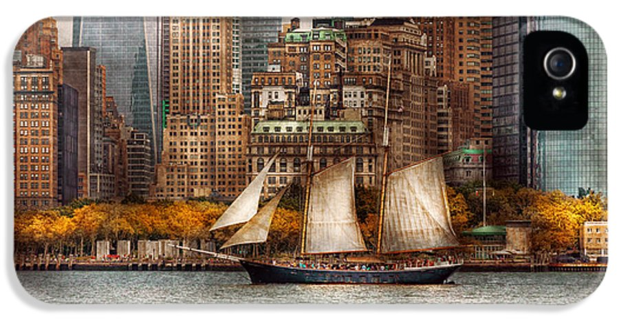 Skyline IPhone 5 Case featuring the photograph Boat - Governors Island Ny - Lower Manhattan by Mike Savad
