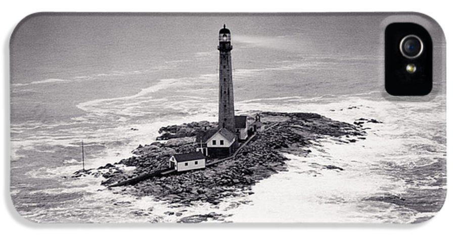 Lighthouse IPhone 5 / 5s Case featuring the photograph Boon Island Light Tower Circa 1950 by Aged Pixel