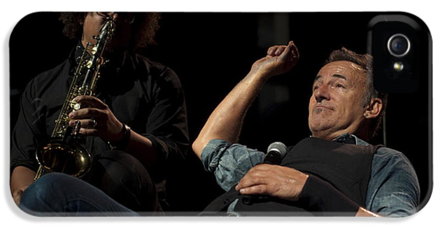 'bruce Springsteen' IPhone 5 Case featuring the photograph Bruce And Jake At Greasy Lake by Jeff Ross