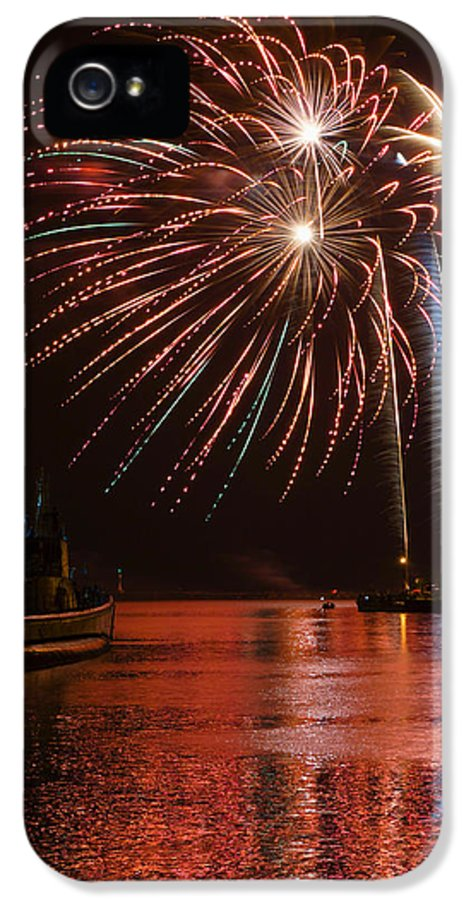 Bill Pevlor IPhone 5 Case featuring the photograph Burst Of Paradise by Bill Pevlor