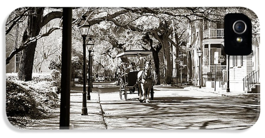 Carriage Ride In Charleston IPhone 5 Case featuring the photograph Carriage Ride In Charleston by John Rizzuto