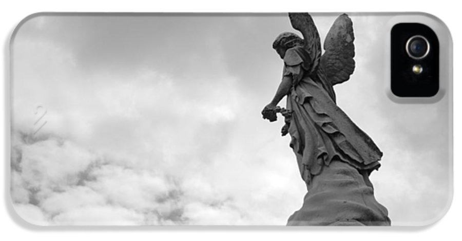 Cemetery IPhone 5 / 5s Case featuring the photograph Cemetery Watcher by Jennifer Ancker