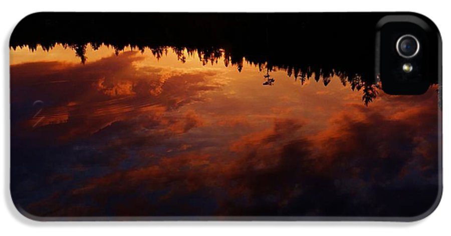 Center Pond IPhone 5 Case featuring the photograph Center Pond Baxter State Park by Tim Canwell