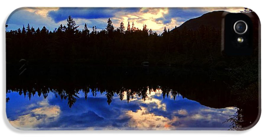 Center Pond IPhone 5 Case featuring the photograph Center Pond by Tim Canwell