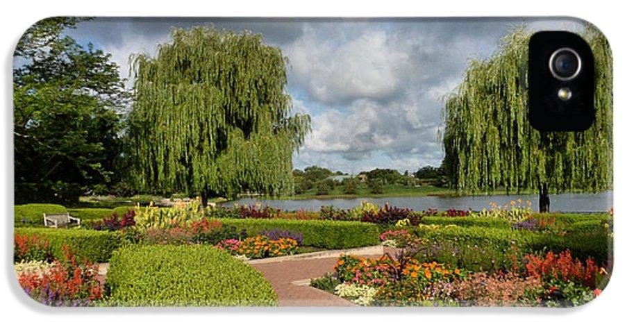 Chicago Botanical Gardens IPhone 5 Case featuring the photograph Chicago Botanical Gardens - 97 by Ely Arsha