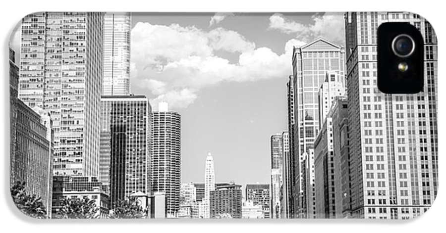 2012 IPhone 5 Case featuring the photograph Chicago Cityscape Black And White Picture by Paul Velgos