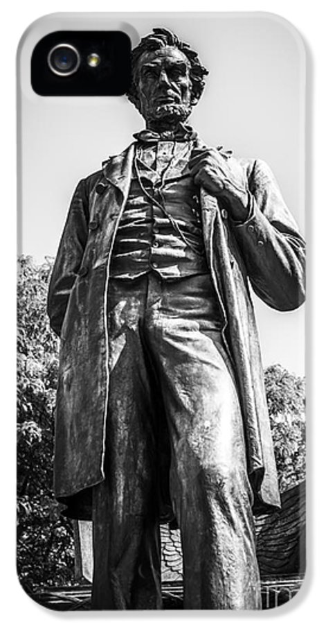 Abraham IPhone 5 / 5s Case featuring the photograph Chicago Lincoln Standing Statue In Black And White by Paul Velgos