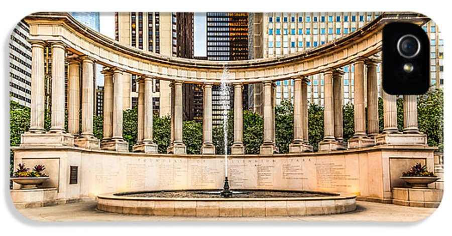 America IPhone 5 Case featuring the photograph Chicago Millennium Monument In Wrigley Square by Paul Velgos