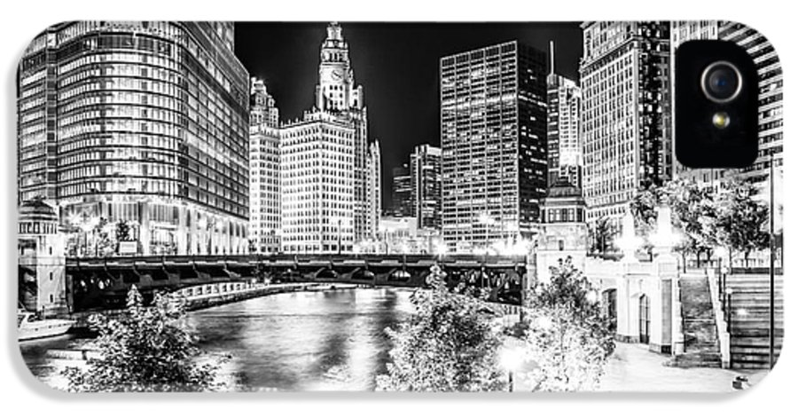 America IPhone 5 Case featuring the photograph Chicago River Buildings At Night In Black And White by Paul Velgos