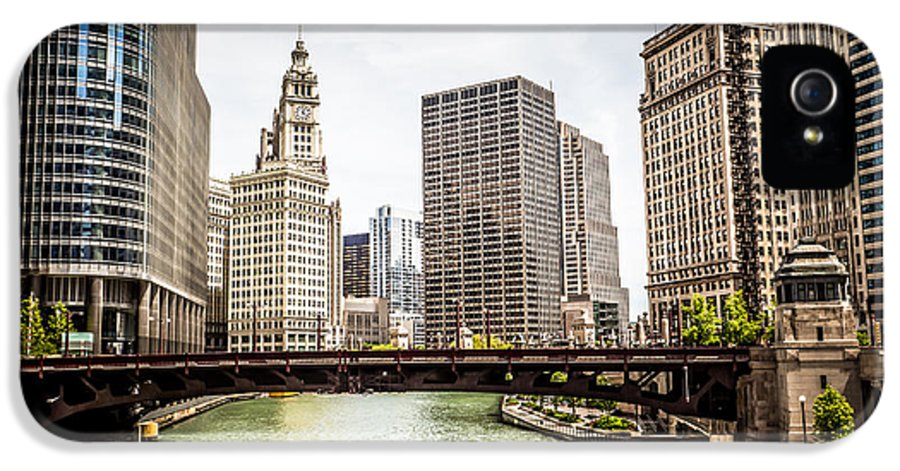 America IPhone 5 / 5s Case featuring the photograph Chicago River Skyline At Wabash Avenue Bridge by Paul Velgos