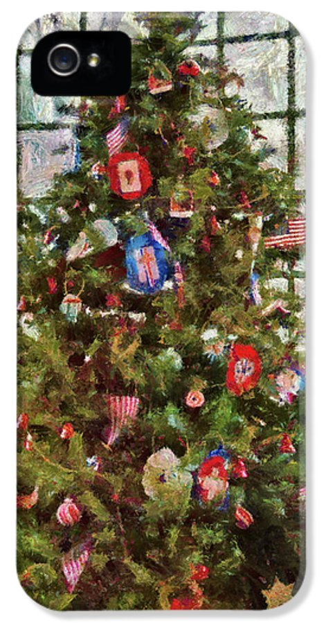 Christmas IPhone 5 Case featuring the photograph Christmas - An American Christmas by Mike Savad