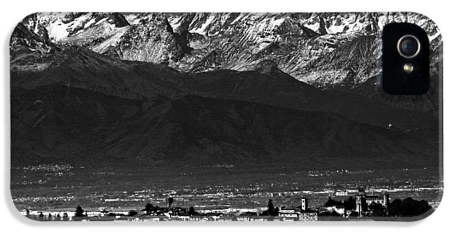 Alps IPhone 5 Case featuring the photograph City In Between by Michael Bjerg