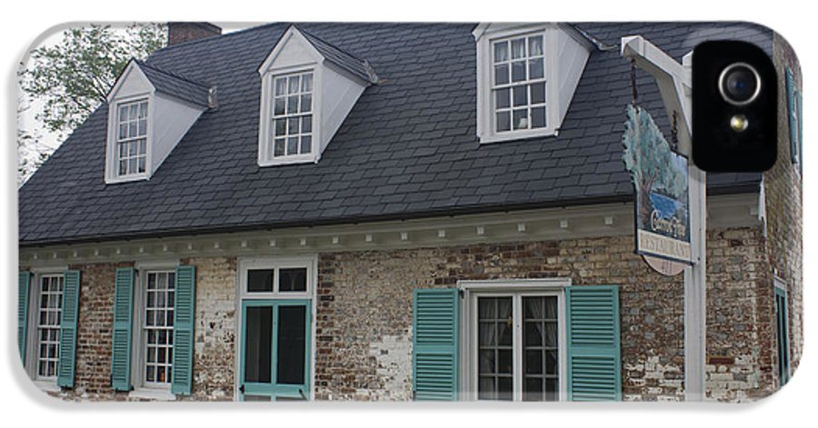 Yorktown IPhone 5 Case featuring the photograph Cole Diggs House Yorktown by Teresa Mucha