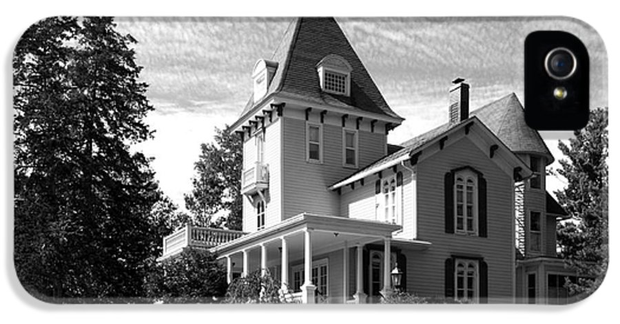 Cornell College IPhone 5 / 5s Case featuring the photograph Cornell College President's House by University Icons