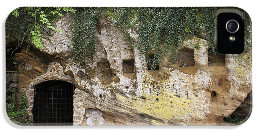 Yorktown IPhone 5 Case featuring the photograph Cornwallis Cave by Teresa Mucha