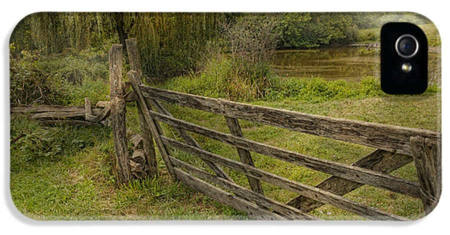 Savad IPhone 5 Case featuring the photograph Country - Gate - Rural Simplicity by Mike Savad