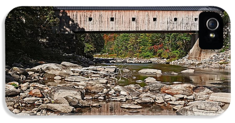 Vermont IPhone 5 Case featuring the photograph Covered Bridge Vermont by Edward Fielding