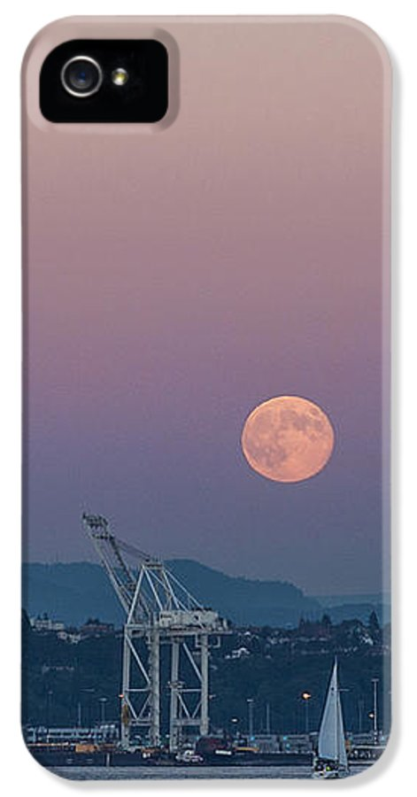 Full Moon IPhone 5 Case featuring the photograph Crane Moon Sail by Scott Campbell