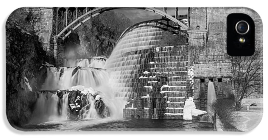 Croton Dam IPhone 5 Case featuring the photograph Croton Dam Bw by Susan Candelario