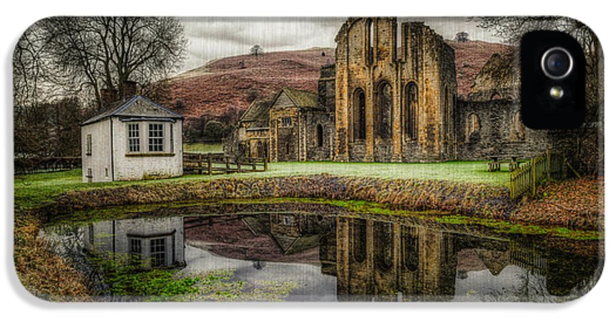Valle Crucis IPhone 5 Case featuring the photograph Crucis Abbey by Adrian Evans