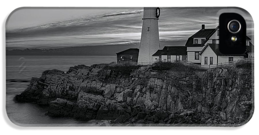 Portland IPhone 5 Case featuring the photograph Dawn At Portland Head Light Bw by Susan Candelario