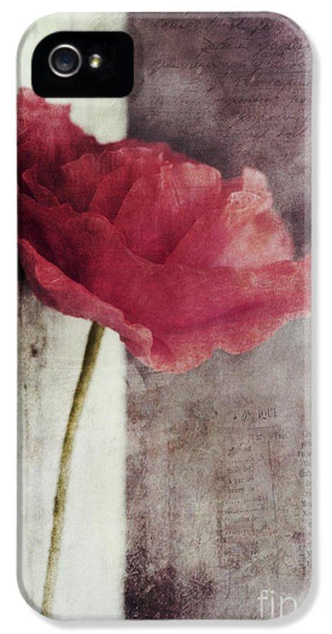 Poppy IPhone 5 Case featuring the photograph Decor Poppy by Priska Wettstein