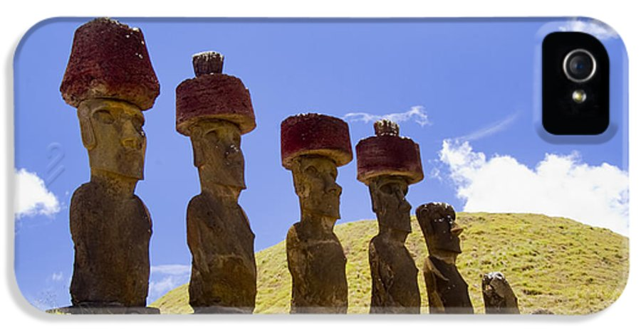 Easter Island IPhone 5 Case featuring the photograph Easter Island Statues by David Smith