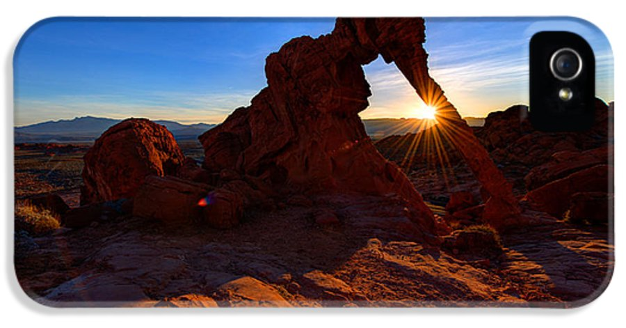 Elephant Arch IPhone 5 Case featuring the photograph Elephant Sunrise by Chad Dutson