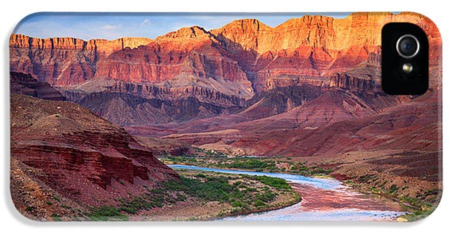 America IPhone 5 Case featuring the photograph Evening At Cardenas by Inge Johnsson