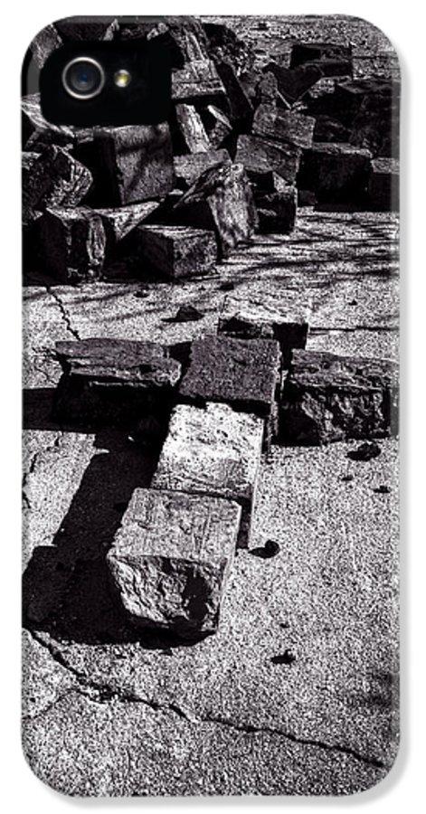 Faith IPhone 5 Case featuring the photograph Faith Among The Ruins by Bob Orsillo