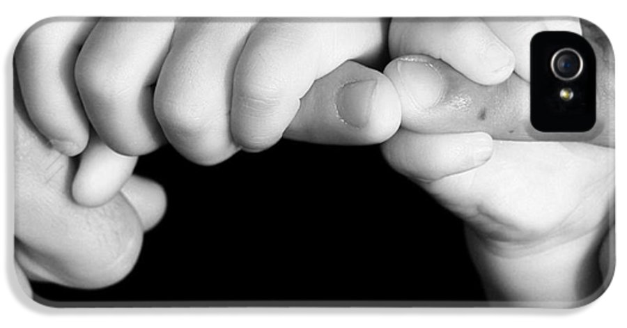 Bonding IPhone 5 / 5s Case featuring the photograph Family Hands by Ofer Zilberstein