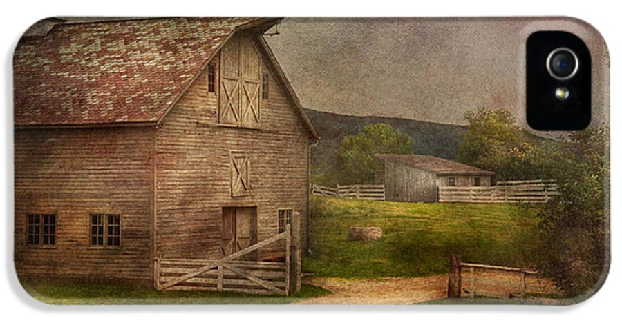 Savad IPhone 5 Case featuring the photograph Farm - Barn - The Old Gray Barn by Mike Savad