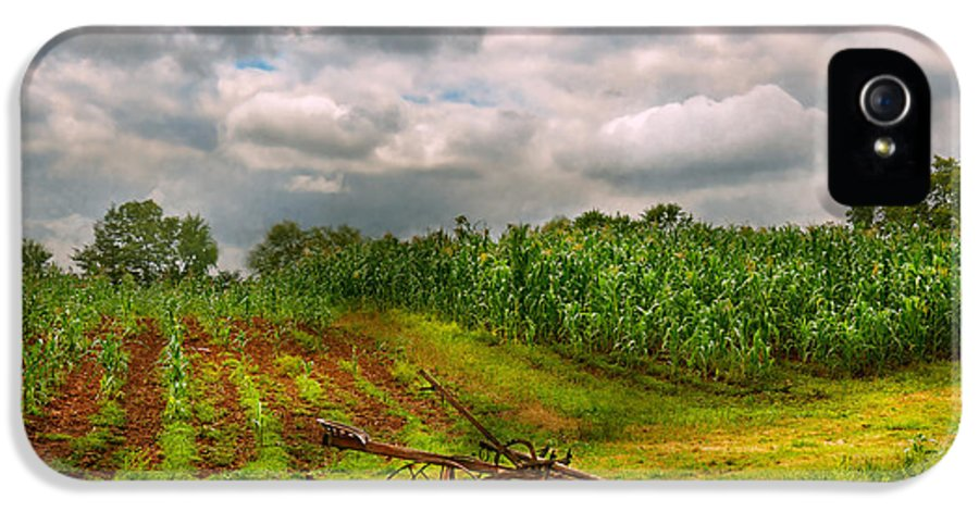 Farm IPhone 5 Case featuring the photograph Farm - Organic Farming by Mike Savad
