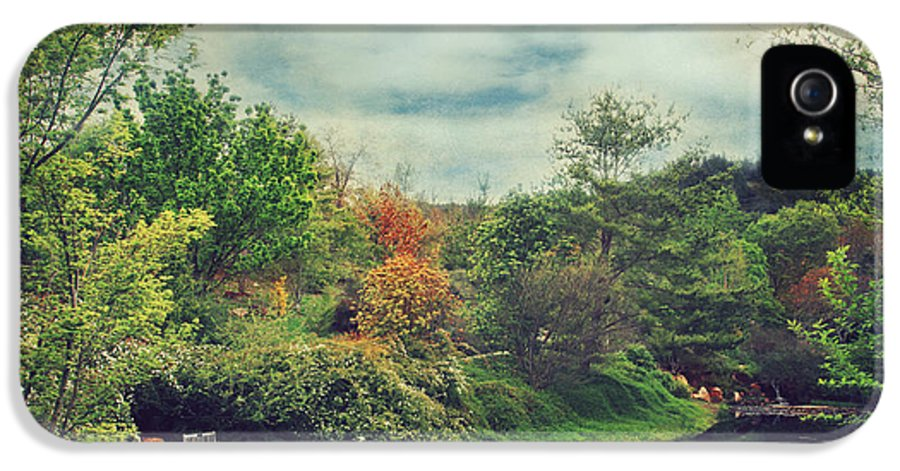 Quarryhill Botanical Gardens IPhone 5 Case featuring the photograph Feed Your Soul by Laurie Search