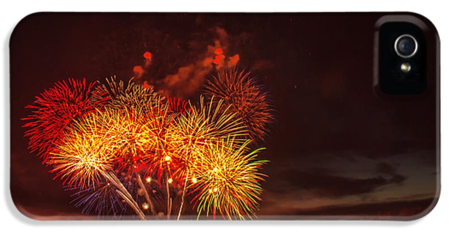 Emmett IPhone 5 Case featuring the photograph Fireworks Finale by Robert Bales
