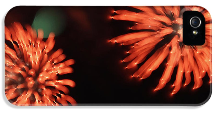 Firework IPhone 5 / 5s Case featuring the photograph Fireworks by Kelly Howe