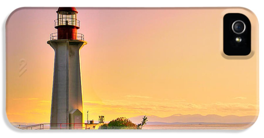 Beach IPhone 5 Case featuring the photograph Forgotten Lighthouse by Eti Reid