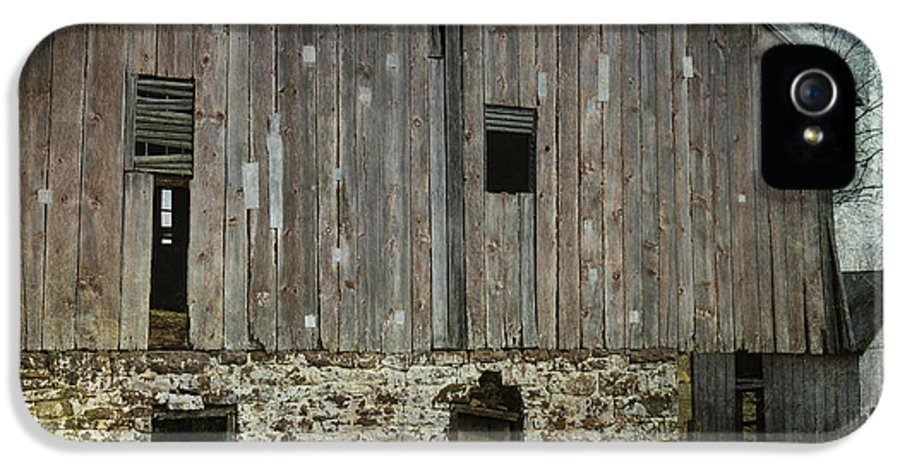 Building IPhone 5 Case featuring the photograph Four Broken Windows by Joan Carroll