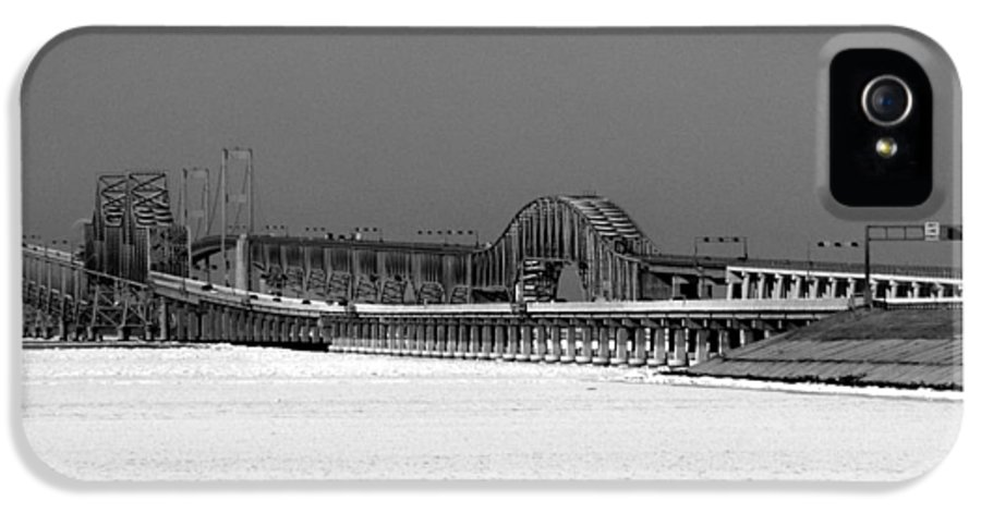 Bay Bridge IPhone 5 Case featuring the photograph Frozen Bay Bridge by Skip Willits