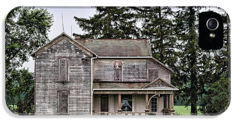 Old Farm House IPhone 5 Case featuring the photograph Ghost Manor by Pamela Baker
