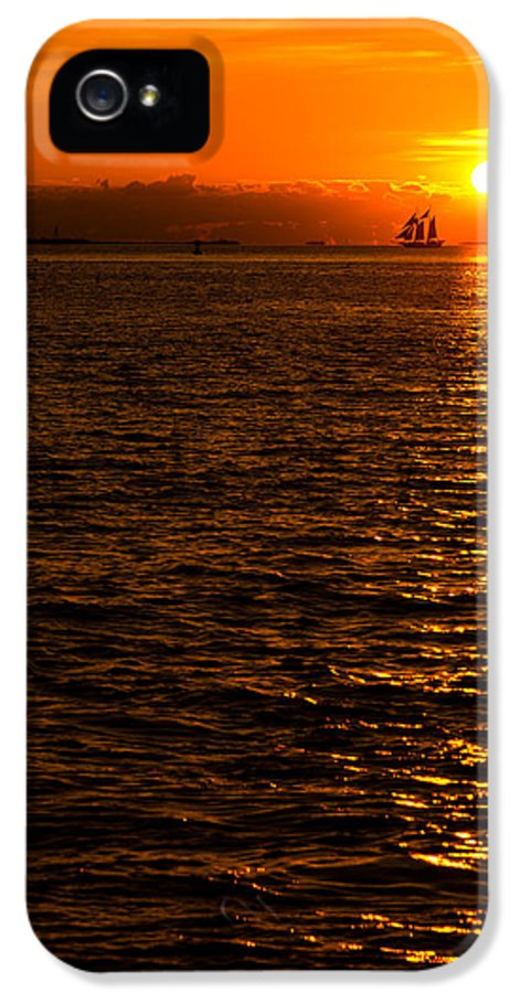 Sunset IPhone 5 Case featuring the photograph Glimmer by Chad Dutson