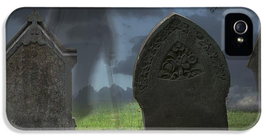 Halloween IPhone 5 Case featuring the photograph Halloween Graveyard by Amanda Elwell