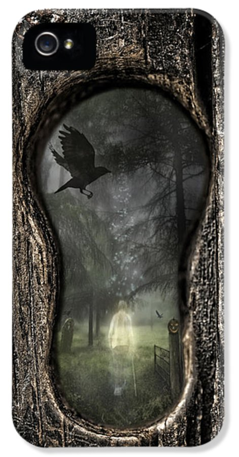 Ghostly IPhone 5 Case featuring the photograph Halloween Keyhole by Amanda Elwell