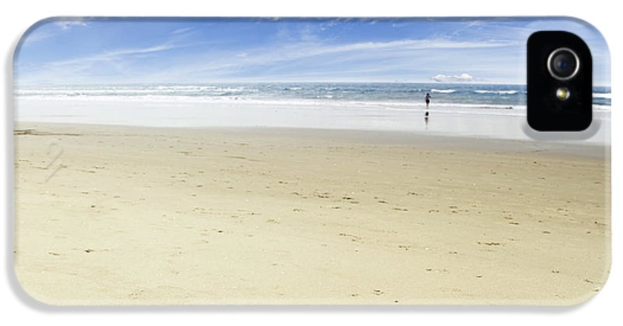 Beach IPhone 5 Case featuring the photograph Happiness by Les Cunliffe