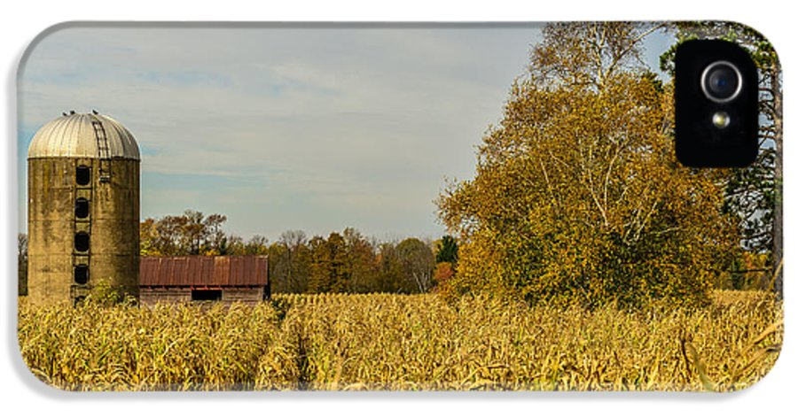 Silo IPhone 5 Case featuring the photograph Harvest Time by Paul Freidlund
