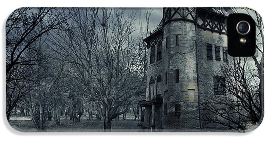 House IPhone 5 Case featuring the photograph Haunted House by Jelena Jovanovic
