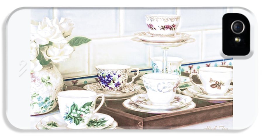 High Tea IPhone 5 Case featuring the photograph High Tea by Holly Kempe